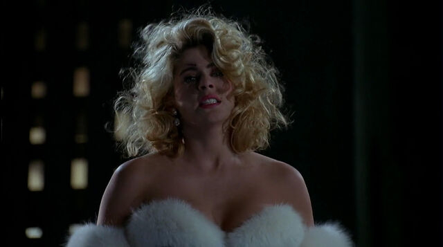 File:Batman-returns-disneyscreencaps.com-8960.jpg