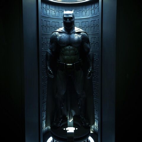 File:Batman batsuit-BvS.jpeg