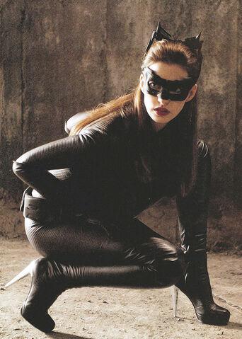 File:Hathaway Catwoman-TDKR.jpg