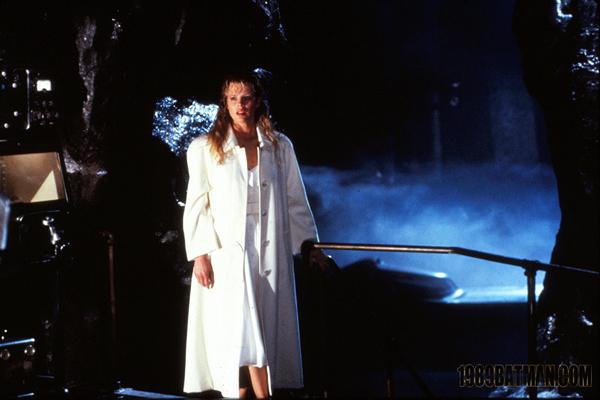 File:Batman 1989 (J. Sawyer) - Vicki Vale 13.jpg