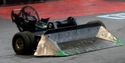 File:SawBlaze dustpan BB2016.jpg