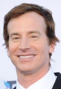 Rob Huebel3