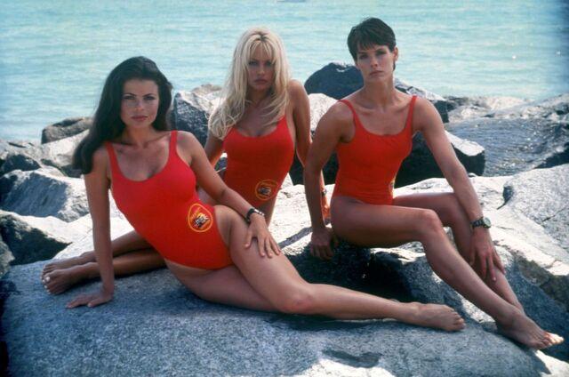 File:CJ, Caroline and Stephanie.jpg