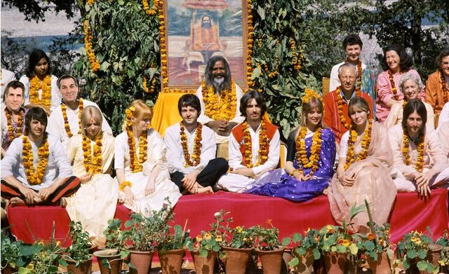 File:Beatles-india-727343.jpg