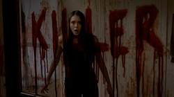 Nina-Dobrev-as-Elena-Gilbert-in-4x05-The-Killer
