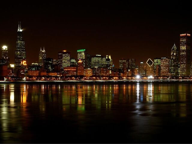File:ChicagoAtNight1.jpg