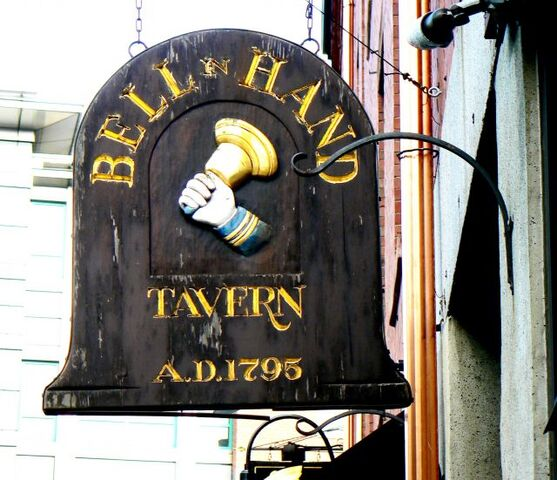 File:Bell-in-Hand-Tavern The-symbol-of-the-pub 13051.jpg
