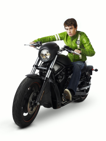 File:Ben Tennyson in Alien Swarm motorcycle.png