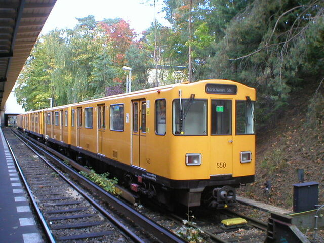 Datei:U-Bahn Berlin Zugtyp A3L92.JPG