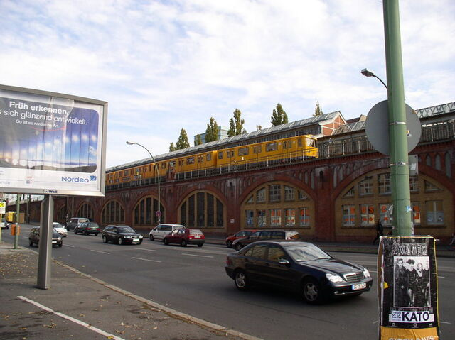 Datei:U-Bahnhof Warschauer Straße.jpg