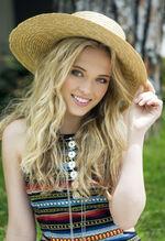 Lauren Taylor7