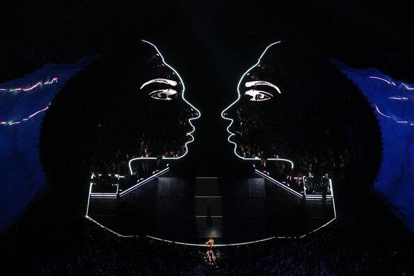 File:Bey Stage.jpg