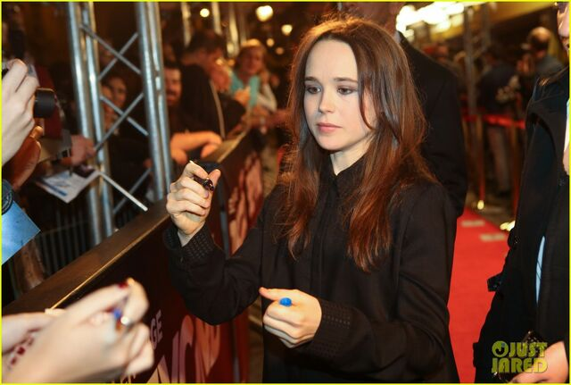 File:Ellen-page-beyond-two-souls-premiere-presentation-02.jpg