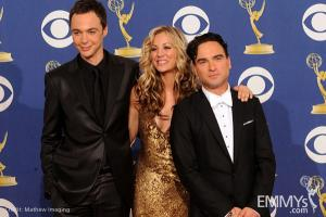 File:2009 Emmys Jim Parson, Kaley Cuoco and Johnny Galecki.jpg