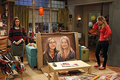 File:S5Ep17 - Amy and Penny with the painting.jpg