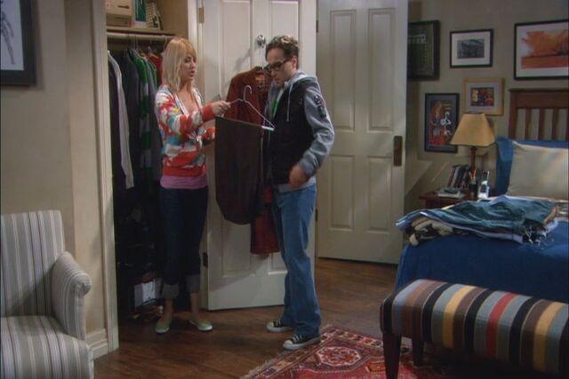 File:S01e09 wide closet.jpg