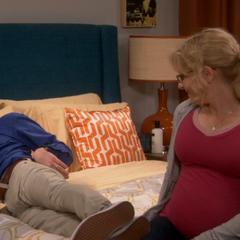 Pregnant Bernadette turns Howard on.