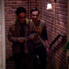 Sheldon explaining about lizard weathermen.