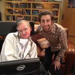 Behind the scenes: Stephen Hawking and Simon Helberg