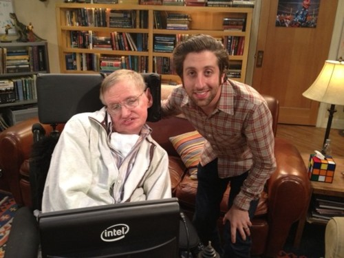 File:Stephen Hawking and Simon Helberg.png