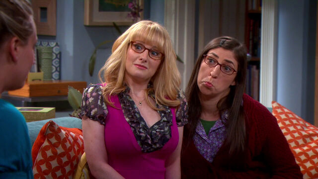 File:S6EP02 - Amy and Bernadette.jpg
