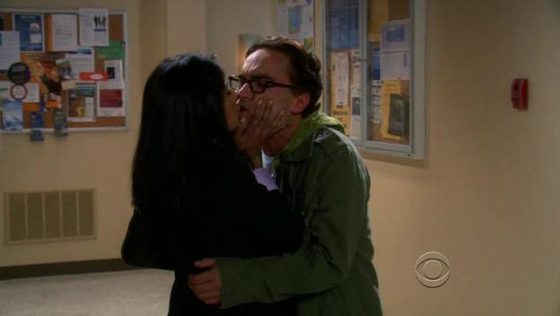 File:The-Big-Bang-Theory-1x06-Priya-Koothrappali-Leonard-Hofstadter-Cap-03.png