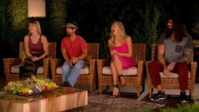 File:Bb17-epi40-finale-jury-round-table-02-1-.jpg