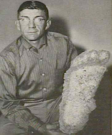 File:Gerald Crew with Bigfoot cast.png