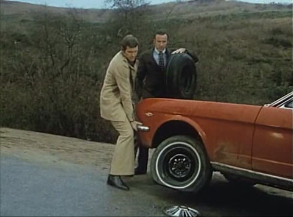File:Changing a Tire.jpg