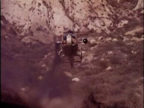 File:S3e15-Martians-forcedlanding.jpg