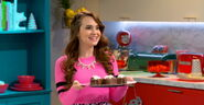 Rosanna Pansino and her Panorama Ding-Dongs