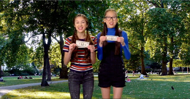 File:Paige & Frankie find Forty Dollars.jpg