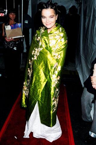 File:11-21-1994 MTV Europe Music Awards 001.jpg