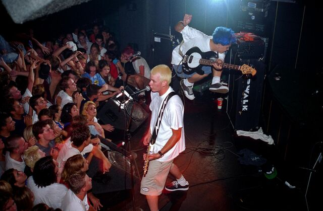 File:Blink-182 at the Showcase Theater in Corona July 18,1995.jpg