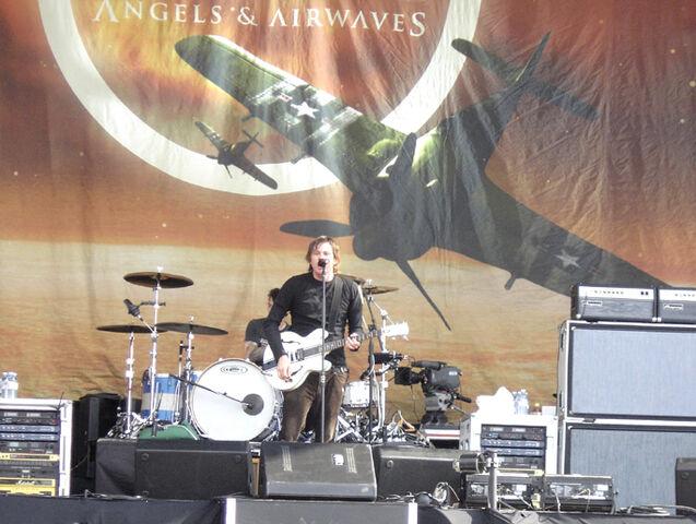 File:Angels and Airwaves (Hyde Park).jpg