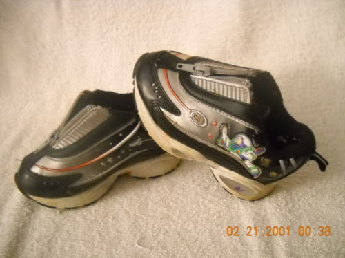 File:Shoes3.JPG