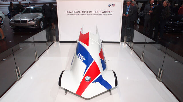 File:BMW 2M Bobsled-05.jpg