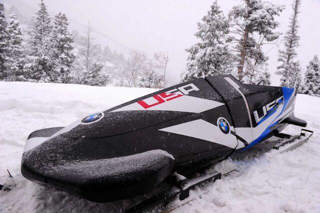File:BMW 2M Bobsled-07.jpg
