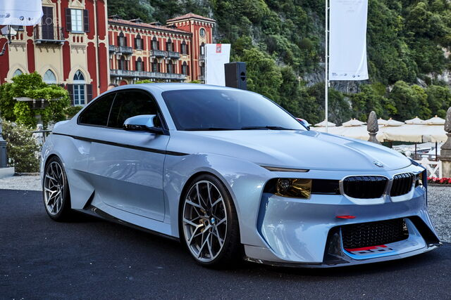 File:BMW 2002 hommage-01.jpg