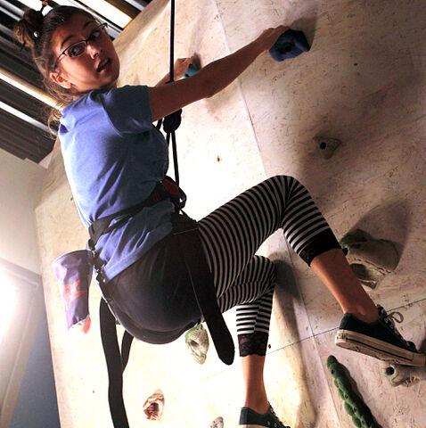 File:! imo climbing a wall.jpg