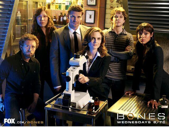 File:Cast Season 2.jpg