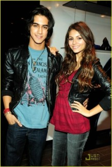 File:218px-389px-401px-Victoria justice 1276369330.jpg