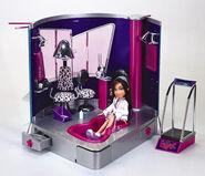 Bratz Stylin' Salon 'N' Spa With Dana Doll