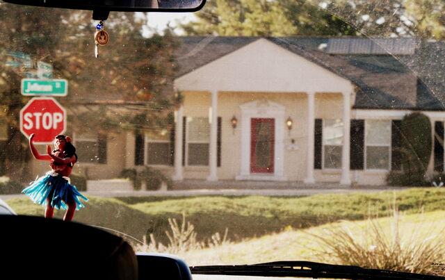 File:Gus Fringe house.jpeg