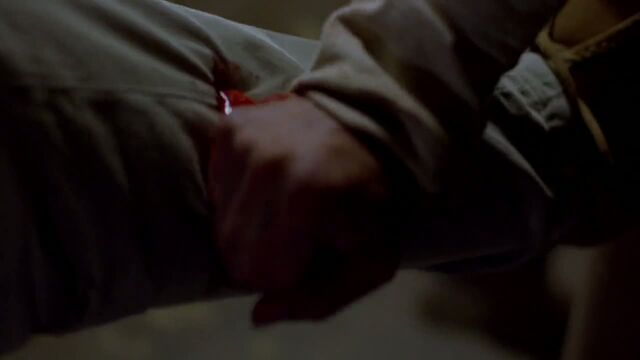 File:1x03 - Krazy 8 stabs Walt in the leg.jpg