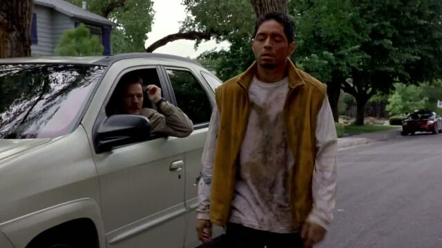 File:1x02 - Krazy 8 on the street.jpg