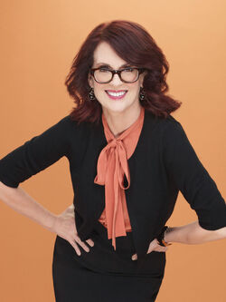 Breaking-in-megan-mullally-4