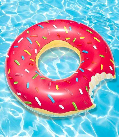 File:7955 gigantic donut pool float hero 1.jpg