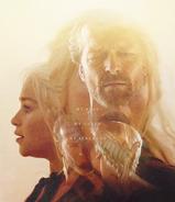 Jorah-Daenerys-jorah-and-daenerys-32094372-431-500
