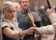 Daenerys-game-of-thrones-s3-review